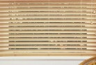 Advancetown Fauxwood blinds 6